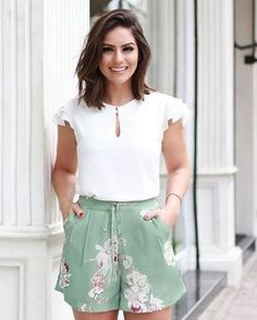 um look fresquinho para primavera e verão, blusa branca e short solto e florido