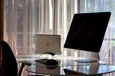 Image via We Heart It https://weheartit.com/entry/113545173/via/21054663 #apple #imac #keyboard #luxury #office #table #tech