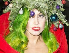 #Christmas #hairstyle #Natale #capelli #acconciature #pettinature #LadyGaga