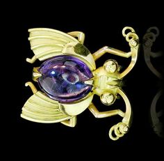 Insekten Brosche-Clip mit Amethyst Cabochon in 750 Gold