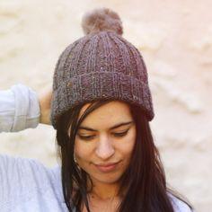 Modèle à tricoter pour adulte du bonnet Pavel en laine Super Tweed de Fonty  Tuto Bonnet c1842290195
