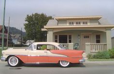 """""""This man spent hours photographing this special town that holds dear to his heart"""" But the real story behind the photos will amaze you! ~By artist and photographer Michael Paul Smith~ Car Photographers, Us Cars, Model Pictures, Model Photos, Funny Pictures, Paul Smith, Small Towns, Scale Models, Vintage Cars"""