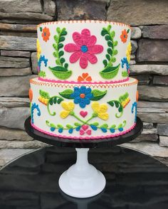 Intricately piped Mexican embroidery in a spring palette Mexican Birthday Parties, Mexican Fiesta Party, Fiesta Theme Party, Mexico Party Theme, Pyjamas Party, Mexican Babies, Mexican Embroidery, Embroidery Ideas, Eat Cake