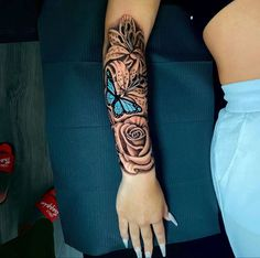 Dope Tattoos For Women, Arm Sleeve Tattoos For Women, Black Girls With Tattoos, Shoulder Tattoos For Women, Badass Tattoos, Neck Tattoos Women, Dream Tattoos, Tattoo Women, Red Ink Tattoos