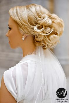 wedding day - details - ideas - bride - bridal - hairstyle - updo - veil - classy - photography by Abbie Warnock