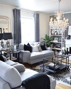 God Tirsdag folkens Håper dere har en strålende dag ❤️ ———————————————————————— Happy Tuesday everybody I hope you all are having a wonderful day ❤️ ———————————————————————— #myhome #mystyle #formal #livingroom #living #room #interior #interiør #inspiration #inspire #homedecor #decoration #style #design #interiordesign #interiors #country #glam #silver #instadecor #homesweethome #styling #inspired #decorating #interiores #boligplussminstil #homedesign #decor #grey #zebra