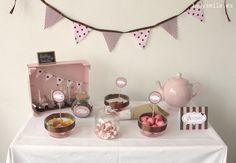 Crea tu propia mesa de dulces: http://www.ladysmile.es/2013/04/crea-tu-propia-mesa-de-dulces.html