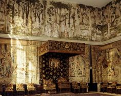 The High Great Chamber at Hardwick.    Bess of Hardwick, as she became known, built Hardwick Hall between 1590 and 1597. This was after her fourth husband's death, when she had become one of the richest people in the country.