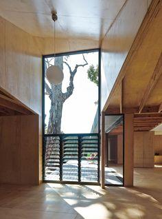 Karri Loop House by MORQ