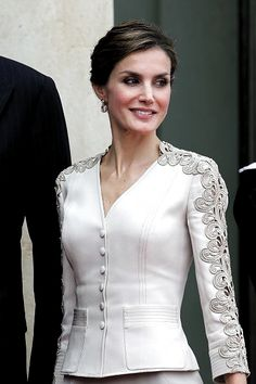 Queen Letizia of Spain attends a meeting with French President Francois Hollande at the Elysee Palace during the first day of their state visit on.Queen Letizia 2015 June France Pictures and Photos Blouse Styles, Blouse Designs, Kleidung Design, Myanmar Traditional Dress, Sleeves Designs For Dresses, Mother Of Groom Dresses, Looks Chic, Queen Letizia, Blazer Fashion
