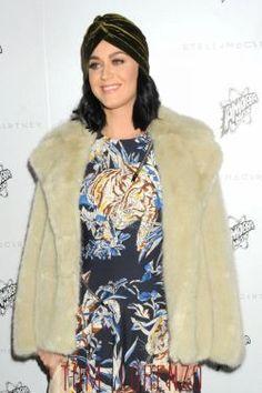 Katy Perry e Cher participarão de passeata feminista nos EUA após posse de Donald Trump #Apresentadora, #Atriz, #Campanha, #Cher, #KatyPerry, #LGBT, #M, #Mulheres, #Noticias, #Presidente http://popzone.tv/2017/01/katy-perry-e-cher-participarao-de-passeata-feminista-nos-eua-apos-posse-de-donald-trump.html