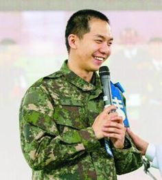 """Baptism in Military on the Rise Again… Lee Seung Gi Becomes """"Church Oppa"""" 