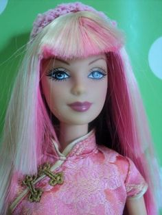 Fashion-Fever-Tokyo-Pop-Style-Barbie-by-Mattel-year-2004