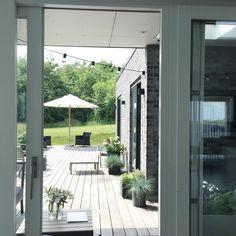 """960 Synes godt om, 22 kommentarer – A n n e L o u i s e (@annelouiseliving) på Instagram: """"O u t d o o r💭 Det er sommer i dag✔️ God aften IG💭 #gardenlife #terrace #lifestyle #nordic #lounge…"""""""