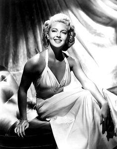 Lana Turner vintage Hollywood glamour