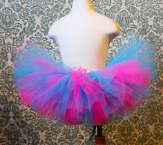 Crafting & Coffee Makes this Momma Happy: How To: Lets start with the basics on making a no sew tutu