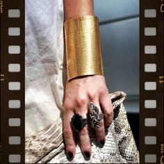 Minha escolha do dia: #bracelets #rings and #snakeskin pro Stylesight - @camifashiontips- #webstagram