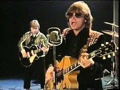 Dave Edmunds - girl talk Trying to find nick lowe. Best Rock Music, Rock N Roll Music, Great Music Videos, Good Music, Dave Edmunds, Nick Lowe, Music Link, Halloween Gif, The Big Hit