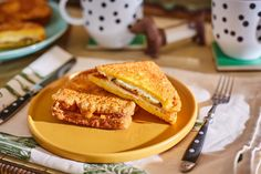 Cordon bleu bundáskenyér | Street Kitchen Cordon Bleu, Kaja, French Toast, Cooking Recipes, Street, Kitchen, Food, Breakfast Ideas, Drink