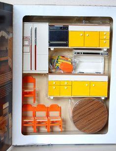 Dollhouse Furniture Kits, Barbie Furniture, Vintage Toys, Vintage Stuff, Mini Kitchen, Retro Pop, Dollhouse Accessories, Ebay Auction, Childhood Toys