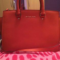 Michael Kors Handbags Keep Warm and Stay Trendy #MichaelKorsHandbags
