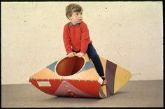Prototype rocking toy made from cardboard. Prototype de jouet à bascule en carton.Design: John Millns - Leeds College of Art, 1968