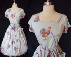 40s 50s Vintage Novelty Print ROOSTER Spring Chicken SWIRL Apron Wrap DRESS ~ Curatorial Vintage