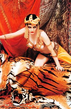 UNGW (491×750) Marilyn Monroe poses as Theda Bara, photographed by Richard Avedon, 1958