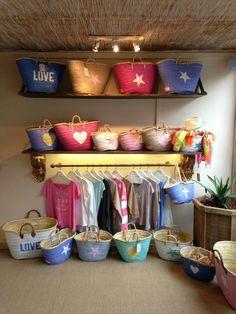 Capazos,cestos,Bolsos de playa TWENTY VIOLETS My Bags, Purses And Bags, Ibiza, Sacs Tote Bags, Market Baskets, Art Bag, Basket Bag, Dollar Store Crafts, Summer Bags