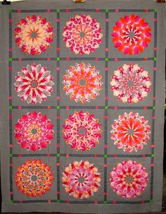 T-Dresden Frolic by Linda Rotz Miller Quilts & Quilt Tops, via Blade Dresden Plate. Dresden Plate Patterns, Dresden Plate Quilts, Quilt Patterns, Quilting Projects, Quilting Designs, Kaleidoscope Quilt, Circle Quilts, Hexagon Quilt, Scrappy Quilts