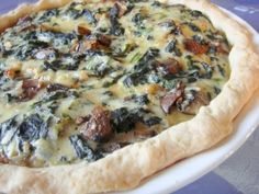 Very easy quiche that uses fat-free yogurt, spinach, mushrooms and reduced fat swiss cheese. I find Alpine Lace reduced fat swiss in the deli at Wal-mart. You can also substitute egg beaters in place of the egg whites. Egg Recipes For Breakfast, Breakfast For Dinner, Breakfast Ideas, Breakfast Specials, Brunch Recipes, Best Egg Recipes, Favorite Recipes, Top Recipes, Mushroom Quiche