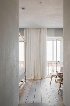 Airy Bedroom, Home Bedroom, Bedroom Decor, Modern Bedroom, Minimal Bedroom, Bedroom Ideas, Bedroom Drapes, Light Bedroom, Bedroom Girls