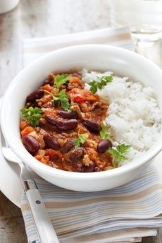This super easy chilli con carne recipe can be made on the stove top or easily adapted for the perfect slow cooker chilli con carne! Keto Crockpot Recipes, Chili Recipes, Mexican Food Recipes, Healthy Recipes, Quick Recipes, Slow Cooker Chilli, Chilli Con Carne Recipe, Easy Chilli, Pizza Lover