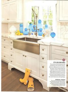 utah_style_3 kitchen cabinets painted Light Pewter, from Benjamin Moore.