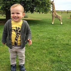 """""""That moment when you realise you're both dressed the same! Love this pic, thanks @dapper_mr_bear #twinning #giraffe #notsowildlife #coolkidswearart by #tamsinarrowsmithbrown #runawaydc #dappermrbearclub"""" Photo taken by @runawaydesigncollective on Instagram, pinned via the InstaPin iOS App! http://www.instapinapp.com (11/15/2015)"""