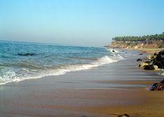 9- Lors de votre séjour en Inde, prévoyez de faire un tour au Kerala, un des états qui dispose des plus belles plages. Mention spéciale à Varkala Beach, une longue bande de sable avec un village surplombant le sable.