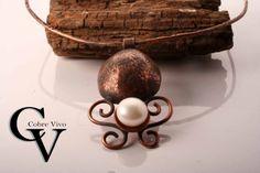 Collar de cobre con perla