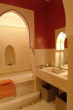 Bathroom of Riad in Morocco. Moroccan Design, Moroccan Style, Moroccan Decor, Bathroom Styling, Bathroom Interior Design, Morrocan Bathroom, Tadelakt, Beach Bathrooms, Bathroom Windows
