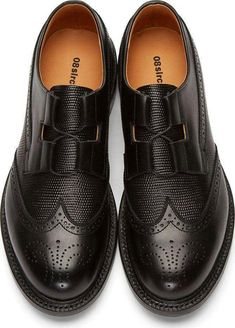 The Best Men's Shoes And Footwear : Black Leather Brogues The Best … - Elegante Schuhe Leather Brogues, Black Leather Shoes, Oxfords, Black Brogues, Best Shoes For Men, Men S Shoes, Fashion Shoes, Mens Fashion, Fashion Black