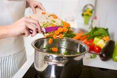 Las verduras fritas (si es con aceite de oliva), más saludables que cocidas
