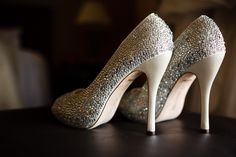This girl's wedding shoes rocked... i want some!