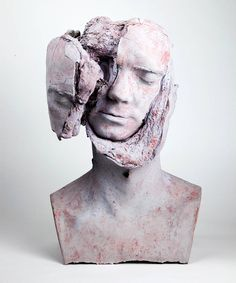 Bizarre Busts Sculptures Featuring Bread Inside – Fubiz Media