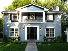Timeless Colonial House Style