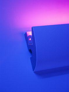 Indirecte verlichting plafondlijsten - LED plafond - verlichtingsprofielen - Sierlijsten en Ornamenten Webshop Luteijn Led, Lightning, Usb Flash Drive, Home Goods, Strip, Cool Stuff, Bedrooms, House Ideas, Living Room
