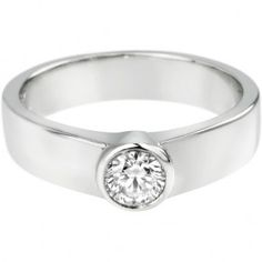 Sencillo y modesto, se iría bien en par con un anillo de boda.