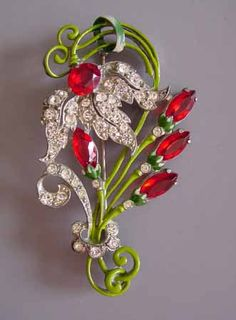 STARET red and green floral brooch, circa 1940.