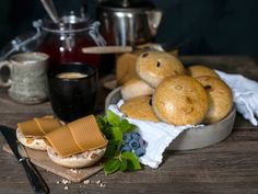 Grove scones Kefir, Scones, Muffins, Bread, Cheese, Breakfast, Food, Morning Coffee, Muffin