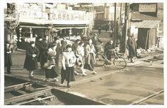 《プチ古写真PhotoData》 昭和の風景-東京 中央線 踏み切り No.45   ayashige-ya