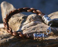 Kastanien Rosshaar Armband mit reich von HazelsHandcrafted auf Etsy