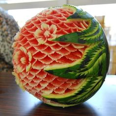 was very hot today , have a slice of melon. Watermelon Art, Watermelon Carving, Carved Watermelon, Fruit Sculptures, Food Sculpture, Veggie Art, Fruit And Vegetable Carving, Edible Food, Edible Art
